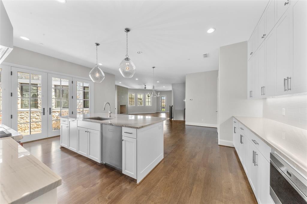 Westlake Neighborhood Home For Sale - $1,302,050