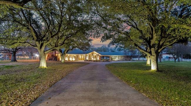Plano Neighborhood Home For Sale - $1,225,000