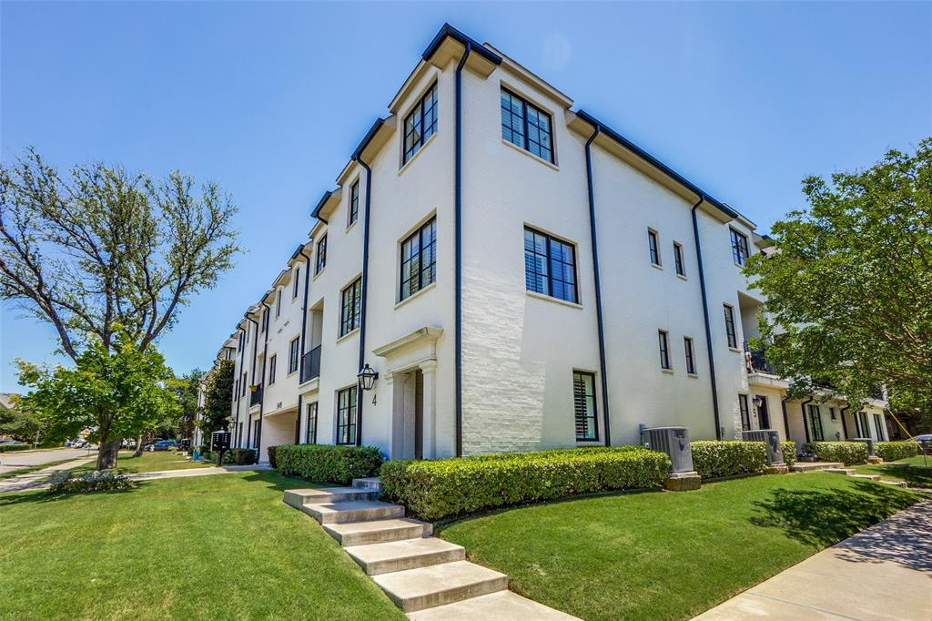 University Park Neighborhood Home For Sale - $950,000