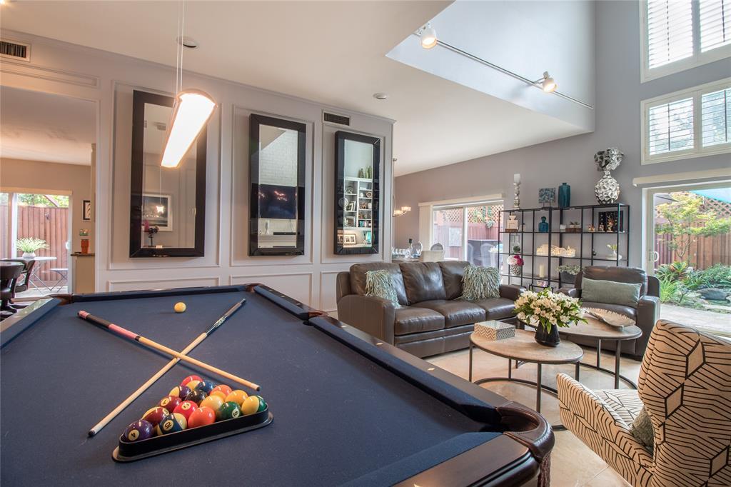 Dallas Neighborhood Home For Sale - $329,900