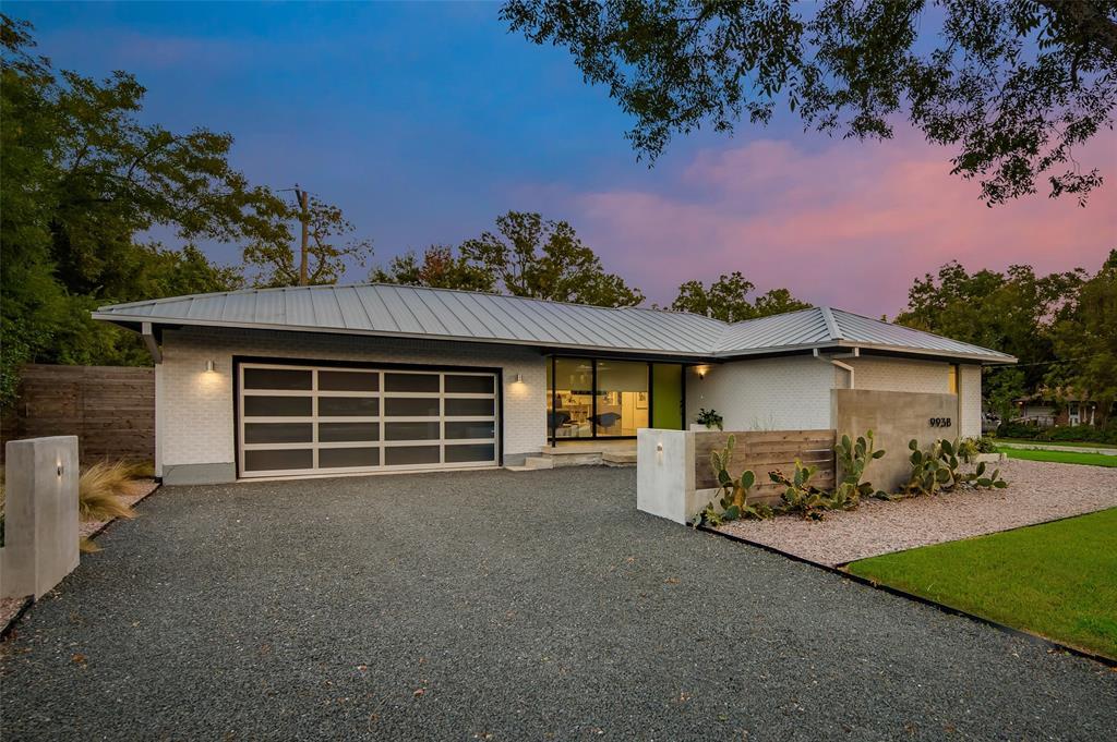 Dallas Neighborhood Home For Sale - $774,900