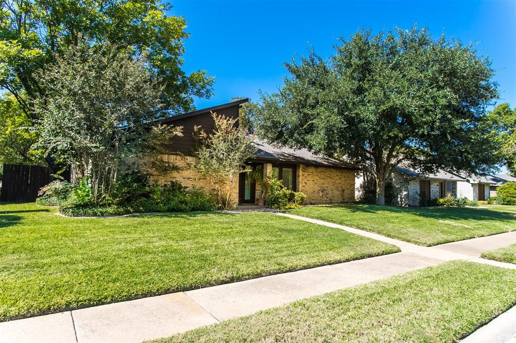 Garland Neighborhood Home For Sale - $330,000
