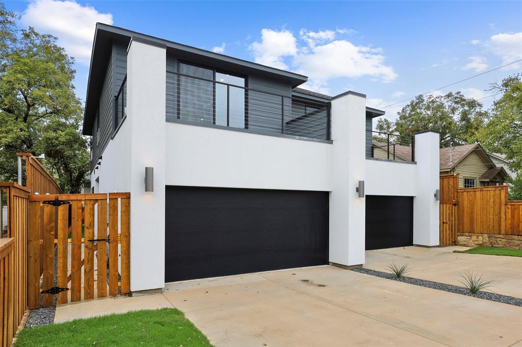 Dallas Neighborhood Home For Sale - $549,000