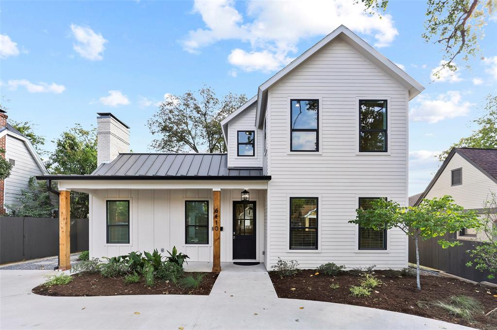 Dallas Neighborhood Home For Sale - $1,069,000