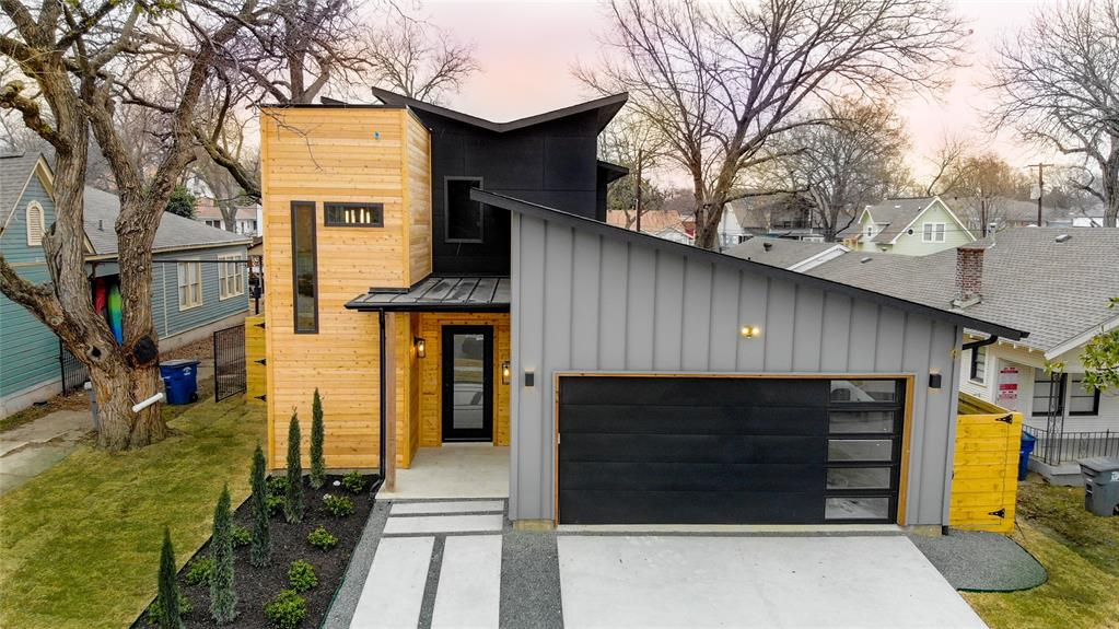 Dallas Neighborhood Home For Sale - $1,300,000