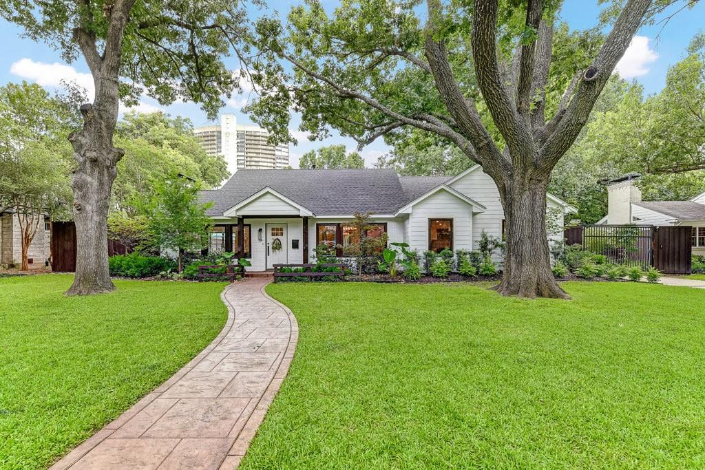 Dallas Neighborhood Home For Sale - $1,149,000