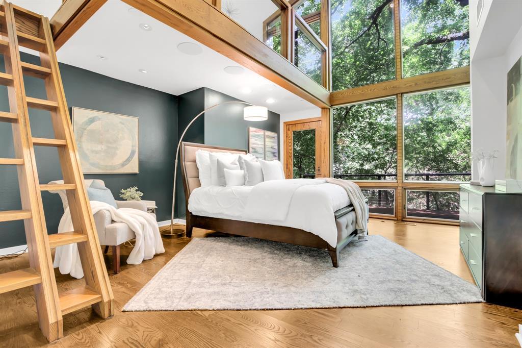 Dallas Neighborhood Home For Sale - $1,675,000
