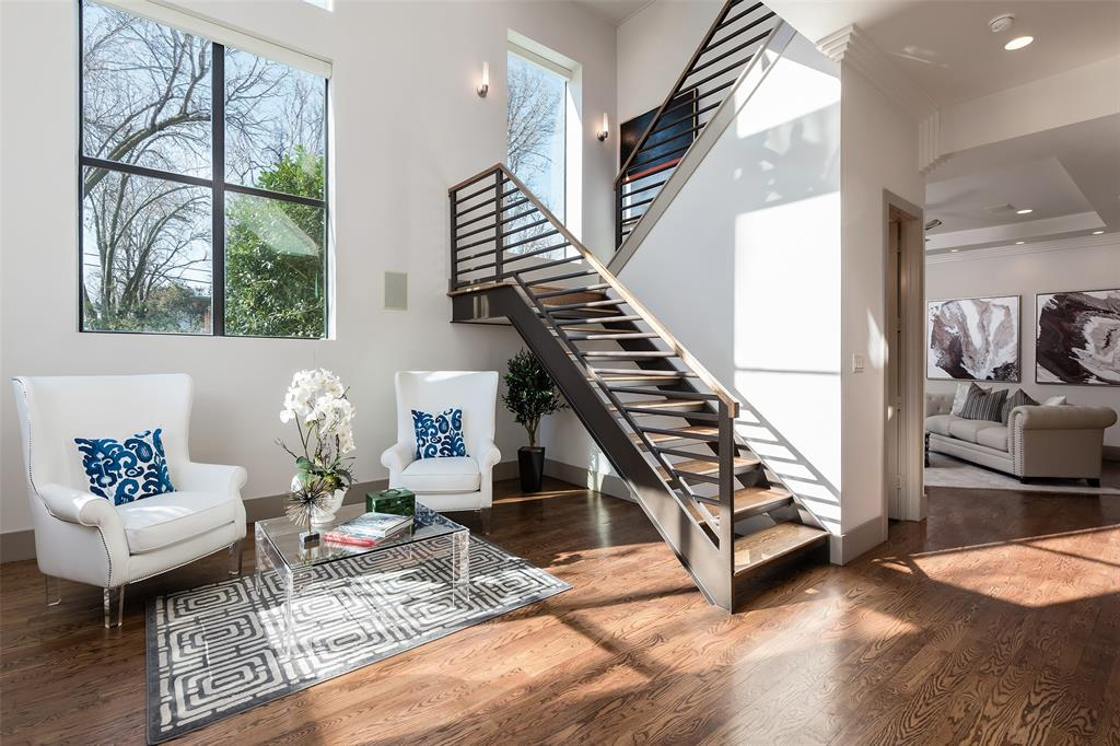 Dallas Neighborhood Home For Sale - $1,649,000